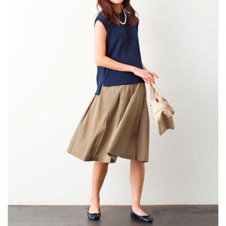 Petit Cocoon タフタ素材のひざ丈タックスカート ベージュ